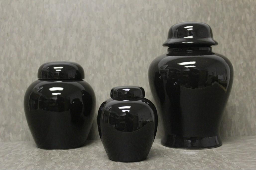 Black Urn